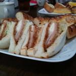 パンdeやす - ハムチーズサンド&俺の一本