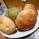 生麺工房 鎌倉パスタ - 食べ放題焼き立てのパン