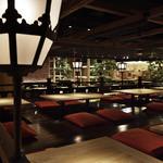 和食・酒 えん - 京都の川床を思わせる掘り炬燵席