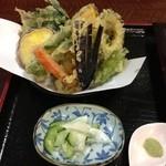 20587534 - 野菜天ぷら。野菜の種類が多いです。