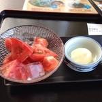 刈羽村宿泊交流センター ピーチビレッジ お食事処 - 料理写真:冷やしトマト