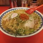 赤湯ラーメン 龍上海 赤湯本店 - 赤湯からみそラーメン780円