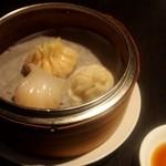 AKA - 味覚ランチセット(点心盛り合わせ:小龍包、フカヒレ蒸し餃子、海老蒸し餃子)