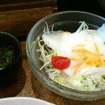がちまや食堂 - がちまや食堂 @板橋本町 フーチャンプル定食に付くサラダとモズク酢
