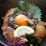 関の瀬 - 佐賀関丼1000円。