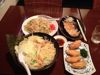 民民 浜松千歳町店 - 野菜塩ラーメン(野菜増量)、ねぎチャーハン、焼き餃子、手羽先