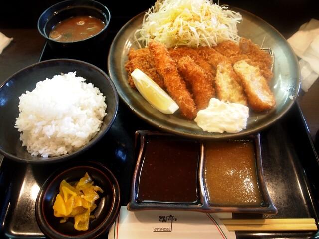 とん亭 - ヘレミックス定食(カニコロッケ、イカフライ)