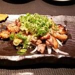 廻 - 桜親鶏 塩こうじ炒め