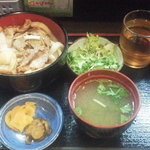 与志井 - 焼肉丼¥500