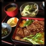 和風レストラン関本陣 - 料理写真:松坂牛重。庭付き個室座敷。3150円