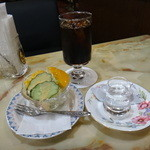 喫茶室マロニエ - セットのサラダとアイスコーヒー