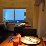 cucina Wada - 狭い!2階はテーブル3つ