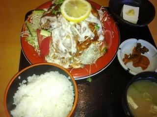 益元 - 焼き肉サラダ定食900円