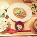 20609176 - ひじきと豆腐のハンバーグ