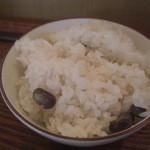 絹延橋うどん研究所 - 本日のご飯(黒豆の枝豆ご飯)(13-08)