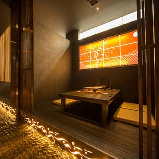 人気の個室はプライベート感と雰囲気が最高。