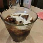 サワデーすみ芳 - フリードリンクのアイスコーヒー