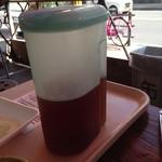 肉のオカヤマ直売所 - お茶の無料サービス