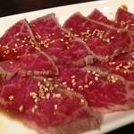YUGEYA - 近江牛のレアステーキ。(アップ)