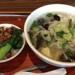 Chuugokutairikuryourisuisenkaku - タンメンと台湾丼のランチ