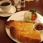 ミモザ - モーニング 550円のトーストセット