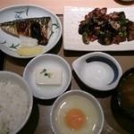 やよい軒 - なす味噌と焼魚の定食+貝汁に変更+生たまご