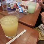 ロイヤルホスト - まずはフルーツジュースをゲット