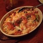 散歩亭 - 散歩亭@安房で屋久島焼酎を楽しむ。看板メニューでトロトロチーズにたっぷり野菜のC.Cは原酒三岳で流し込んだ。