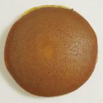 京菓子処 洛心館 - 生どら《抹茶クリーム》(\210、2013年8月)