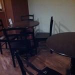 アルヴィノ - テーブル席もあります