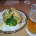赤沢日帰り温泉館レストラン - サザエのかき揚げと生ビール