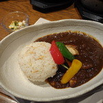 世田谷クミン - チキンと野菜のカレエ850円