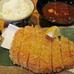 20650845 - 超厚切りロースカツ(単品) 1790円                       ご飯・味噌汁・ドリンク 490円