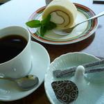 翠 - 豆乳ロールケーキ とSuiブレンドコーヒー