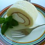 翠 - 豆乳ロールケーキ 400円