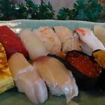 黄金寿司 - 松にぎりアップ