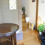 きぃ房茶 - 2階がカフェ。こじんまりしたスペース。
