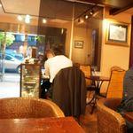 カフェ 中野屋 - 店内は割と広めです。