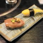 とりあへず - 料理写真:2013.8 お通しの寿司2貫(300円)