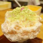 ひみつ堂 - うぐいす桜(800円)(2013/3)。中にはうぐいす餡♪
