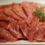 恵比寿焼肉 kintan - 松坂牛の肩カルビとモモ