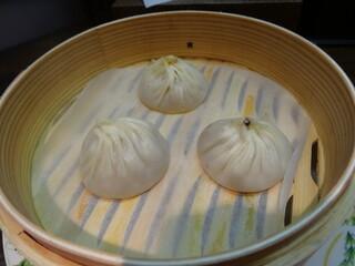 魏飯夷堂 三条店 - 小龍包3種盛り(上海・蟹味噌・黒トリュフ)