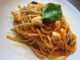 Risotto Cafe 東京基地 渋谷店 - モッツァレラチーズのトマトパスタ