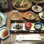 庄屋 - 料理写真:最初の前菜たち