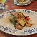 20671317 - ホロホロ鶏と地野菜のロースト ローズマリーとマスタード添え