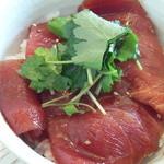 中華そば 四つ葉 - マグロ丼・・・らーめん屋のマグロ丼としては出来過ぎ(笑)。