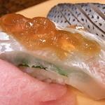 小柳寿司 - 鯛♪ 美しく細工されています☆