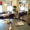 大須せろり - 内観写真:広い窓が明るい雰囲気に~禁煙席(テーブル約40席)・喫煙席(座敷約40席)の分煙店内となっております。
