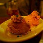 オクワ酒屋 - ポテトとカボチャのサラダ盛り