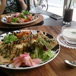 リビエラカフェ グリーンスタイル - サーモンのジャパニーズガレット、相方はアスパラとベーコンのガレット